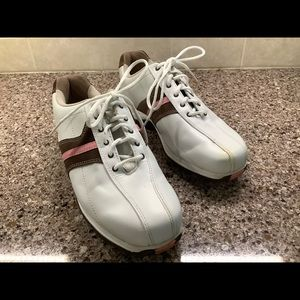 Womens Etonic Golf Shoes With Spikes  Size 7